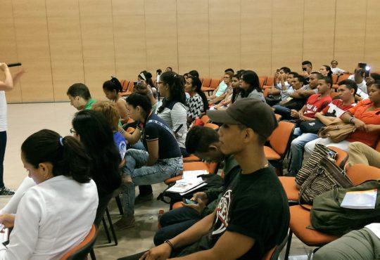Rap e imágenes para la paz en Foro de Juventud, Arte y Memoria