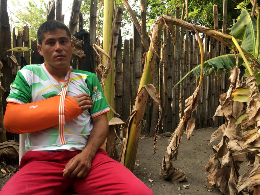 Henri Sarabia, campesino de 27 años, que resultó herido durante una  operación de la Fuerza de Tarea Marte contra el ELN el 7 de marzo. Foto:  La Liga Contra el Silencio