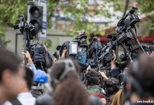 Despidos de periodistas causan miedo y silencio en los medios colombianos