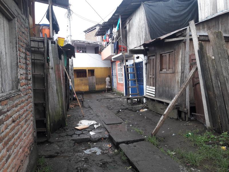 Calle de un barrio en Tumaco | Foto: Santiago-Botero